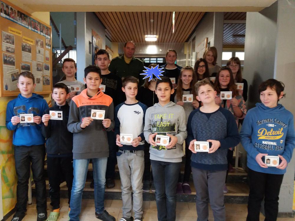 Die neuen Buslotsen der Mittelschule Ensdorf